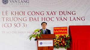 Năm 2017: Sinh viên Văn Lang nhập học tại cơ sở mới