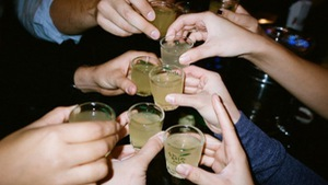 Bộ trưởng Y tế đề xuất cấm bán rượu trong quán karaoke