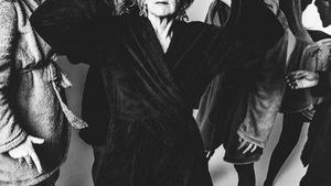 Nữ giáo sư 63 tuổi bỗng thành 'nữ hoàng thời trang'