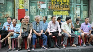 Thái Lan tăng 'thuế tội lỗi' để giúp người già