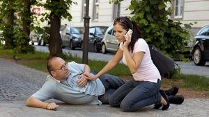 Làm gì khi người thân bị đột quỵ?