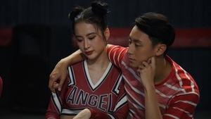 Bị phản ứng, ê-kip Glee giao lưu khán giả thay vì phát tập 2