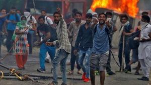 Ấn Độ nín thở lo bạo loạn