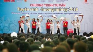 Sáng nay Tuổi Trẻ tư vấn tuyển sinh tại Huế, Nghệ An