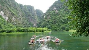 Nhiều cảnh đẹp sao du lịch Việt Nam cứ ì ạch?