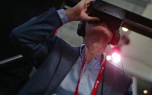 Facebook sẽ bán kính thực tế ảo Oculus VR giá chỉ 200 USD