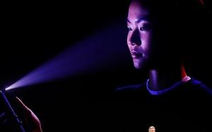 Edward Snowden lo tính năng Face ID của iPhone X bị lạm dụng