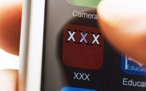 Xem phim khiêu dâm trên điện thoại, rất dễ bị hack