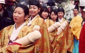 Lễ hội 'của quý' Honen Matsuri