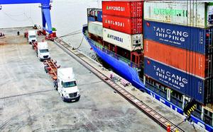 Hàng hóa xuất khẩu từ ĐBSCL -  Muốn ra thế giới phải đi lòng vòng