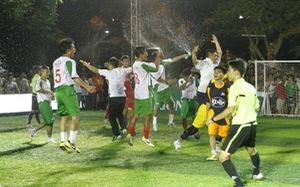 Giải bóng đá phong trào vui vẻ, hồn nhiên