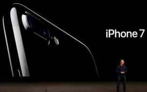 iPhone 7 bỏ cổng cắm âm thanh truyền thống, giá từ 649 USD