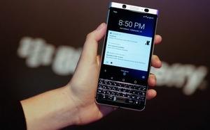 MWC 2017: TCL giới thiệu BlackBerry KeyOne