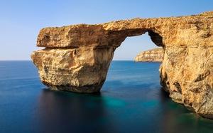 Danh thắng 'Cửa sổ thiên thanh' ở Malta bị sập