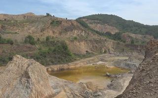 Khai thác đất đá tàn phá môi trường