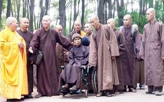 Thiền sư Thích Nhất Hạnh trở về tổ đình Từ Hiếu an dưỡng
