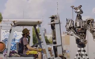 Độc đáo những chú robot làm từ phế liệu, biết chơi nhạc rock