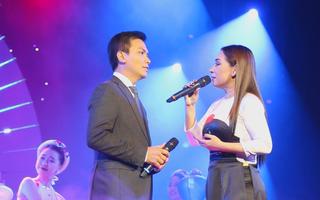 """Phi Nhung, Mạnh Quỳnh tái ngộ trong liveshow""""20 năm kỷ niệm"""""""