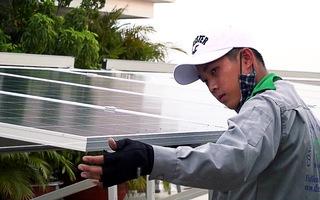 Gần 4.000 khách hàng nhận 43,5 tỉ đồng tiền bán điện mặt trời