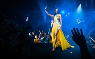"""Giải trí 24h: Hoa hậu H'hen Niê tái hiện màn xoay váy thần thánh trong """"Show của Đen"""""""