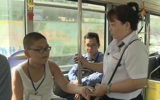 Đề xuất cho hành khách chấm điểm tài xế, nhân viên xe buýt