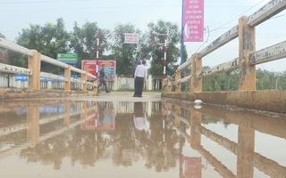 Nỗi lo cầu sập sau mưa lũ