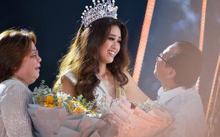 Tân Hoa hậu Hoàn vũ Khánh Vân và ba mẹ chia sẻ cùng Giải trí 24h