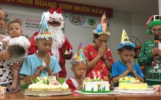 Tổ chức sinh nhật, trao hàng trăm phần quà ước nguyện cho bệnh nhi ung thư