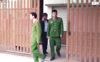 Video: Bộ Công an khám xét nhà riêng chánh văn phòng Thành ủy Hà Nội