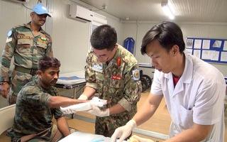 Thăm Bệnh viện dã chiến cấp 2 Việt Nam tại Bentiu, Nam Sudan