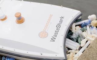 Robot cá mập 'săn' rác thải nhựa: Giải pháp cho tình trạng ô nhiễm