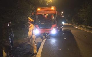 Xe máy tông xe khách trên đèo Prenn, 1 người chết