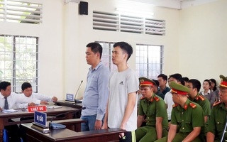 Tạm hoãn phiên tòa xét xử 2 cán bộ công an đánh chết người