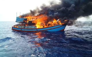 Cháy tàu cá trên biển, thiệt hại gần 5 tỉ đồng