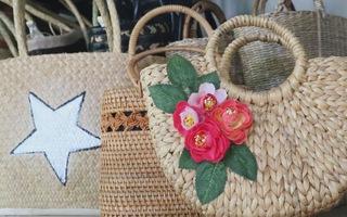 Độc đáo những chiếc túi xách làm từ cây lục bình