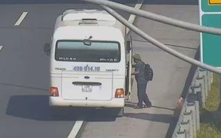 """""""Thả"""" khách trên cao tốc, phạt lái xe 5,5 triệu đồng, tước bằng lái 2 tháng"""