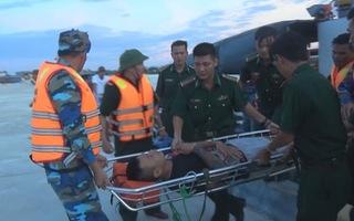 Vượt 70 hải lý cứu kịp thời ngư dân bị viêm ruột thừa