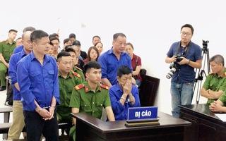 """Tạm hoãn phiên toà xét xử trùm bảo kê chợ Long Biên Hưng """"kính"""""""