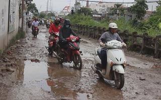 Đường hư hỏng nặng, tai nạn giao thông rình rập