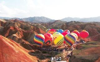 Rực rỡ lễ hội khinh khí cầu ở Trung Quốc