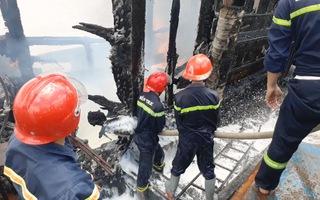 Cháy tàu cá thiệt hại trên 7 tỉ đồng