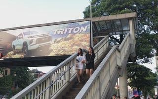 TP Hà Nội dừng cấp phép quảng cáo trên cầu vượt