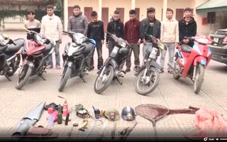 Video: Băng nhóm chuyên dùng kiếm, súng bắn điện gây ra hàng loạt vụ cướp