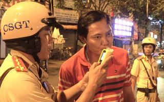 Video: Ngày đầu xử phạt tài xế vị phạm 'nồng độ cồn' theo luật mới