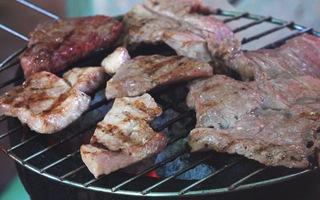 Ra đảo Ph&250; Qu&253; ăn thịt b&242; n&243;ng