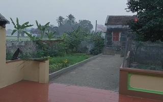 Hi hữu mưa đá sáng 30 Tết