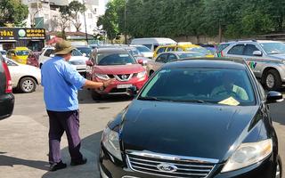Video: Nhiều trung tâm đăng kiểm ùn ứ vì người dân sắm ô tô dịp Tết