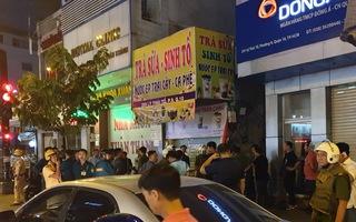 Video: Một thanh niên nghi cầm lựu đạn cố thủ gần khu vực ngân hàng