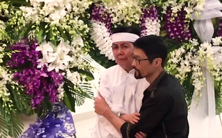 Video: Đêm khuya, nhiều nghệ sĩ đến từ biệt nghệ sĩ Nguyễn Chánh Tín