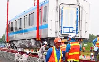 Video: Đoàn tàu metro số 1 lên đường ray dài 200m